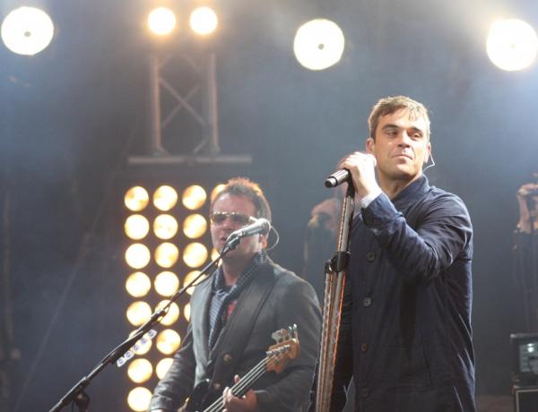 Hangolódj az év koncertjére Robbie Williams legjobb számaival!