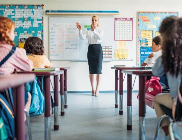 Hatalmas tévhitek a tanárokról, amik még mindig élnek a szülőkben