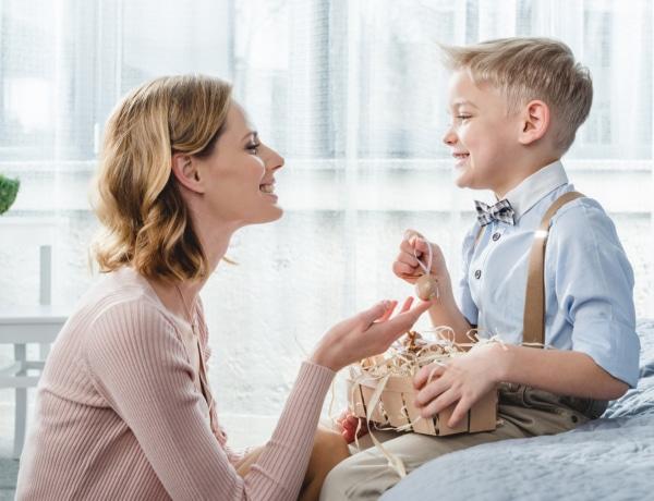 Idén hogyan locsolkodjanak a fiúk? 7+1 kreatív tipp, hogy tartani tudjuk a húsvéti hagyományt