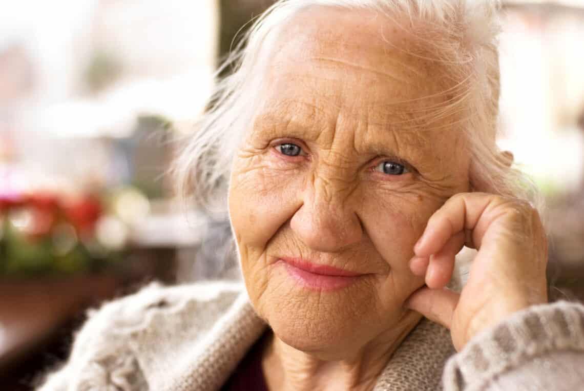 Idős emberek vallottak arról, mit tennének másként, ha újra fiatalok lehetnének
