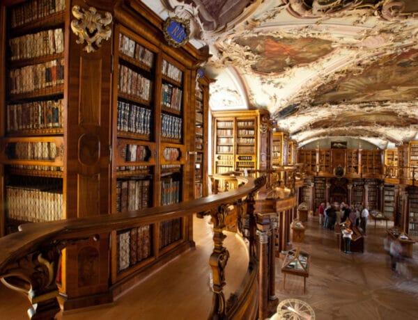 Ide minden könyvmoly el akar jutni: 5 lélegzetelállító könyvtár a világ körül