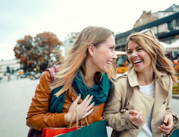 10 vészjósló jel, hogy az új barátnőd mégsem az, akinek hitted