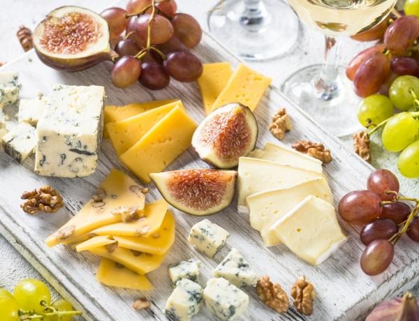 Itt a tudomány magyarázata, hogy miért együnk még több sajtot
