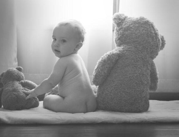 Kávét adtak a kisbabáknak? Csecsemőgondozás 40 évvel ezelőtt