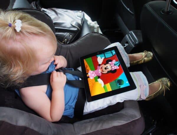 Képernyőfüggő babák és kisgyermekek. Jó irány ez? Szakértőt kérdeztünk