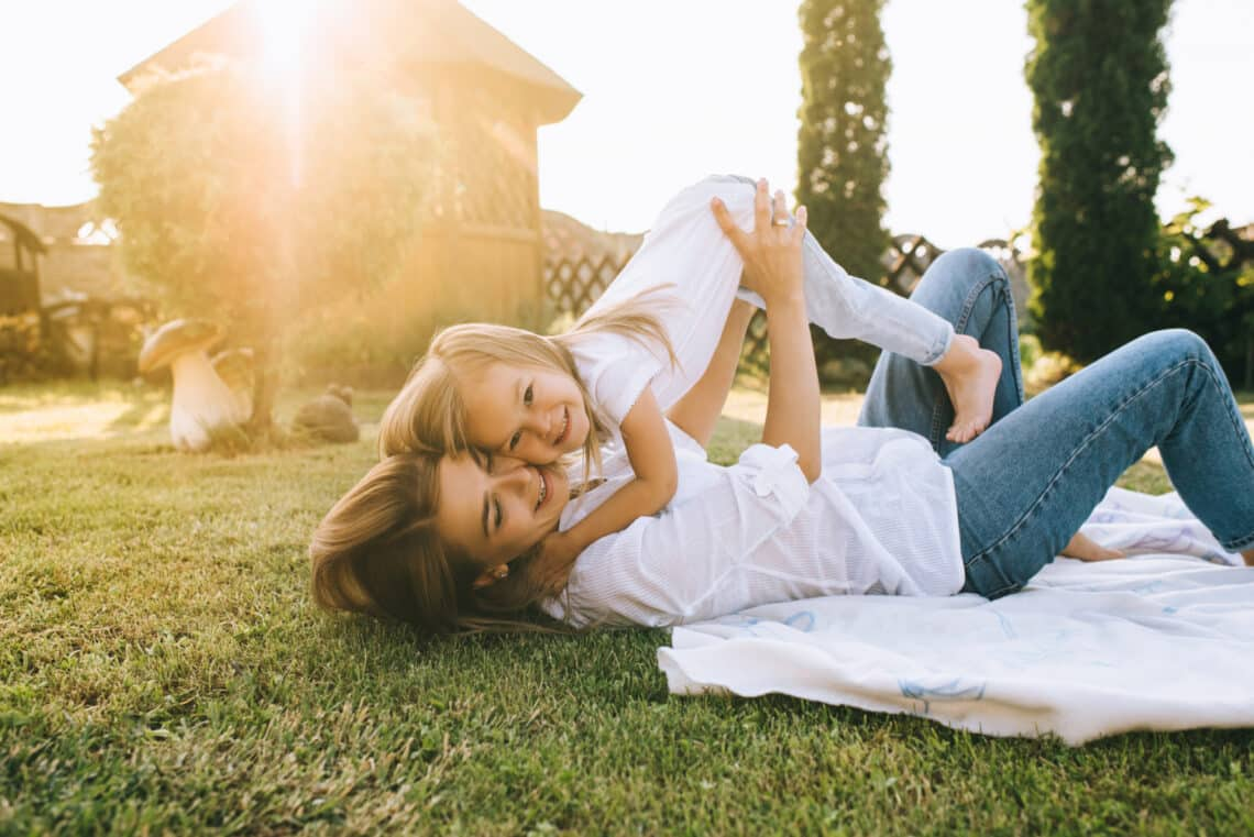 Két ok, amiért imádok huszonévesen anya lenni, és kettő, amiért nem