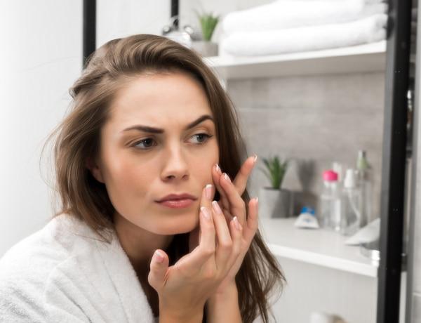 Kinyomtad a pattanásod? 10 tipp, hogy ne legyen rosszabb, a bőrgyógyászok ajánlásával