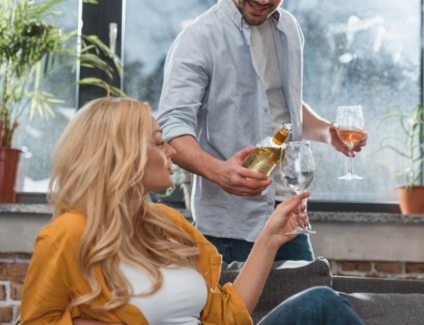 Koronavírus: A tudomány szerint inkább ne igyál alkoholt, amíg tart a járvány