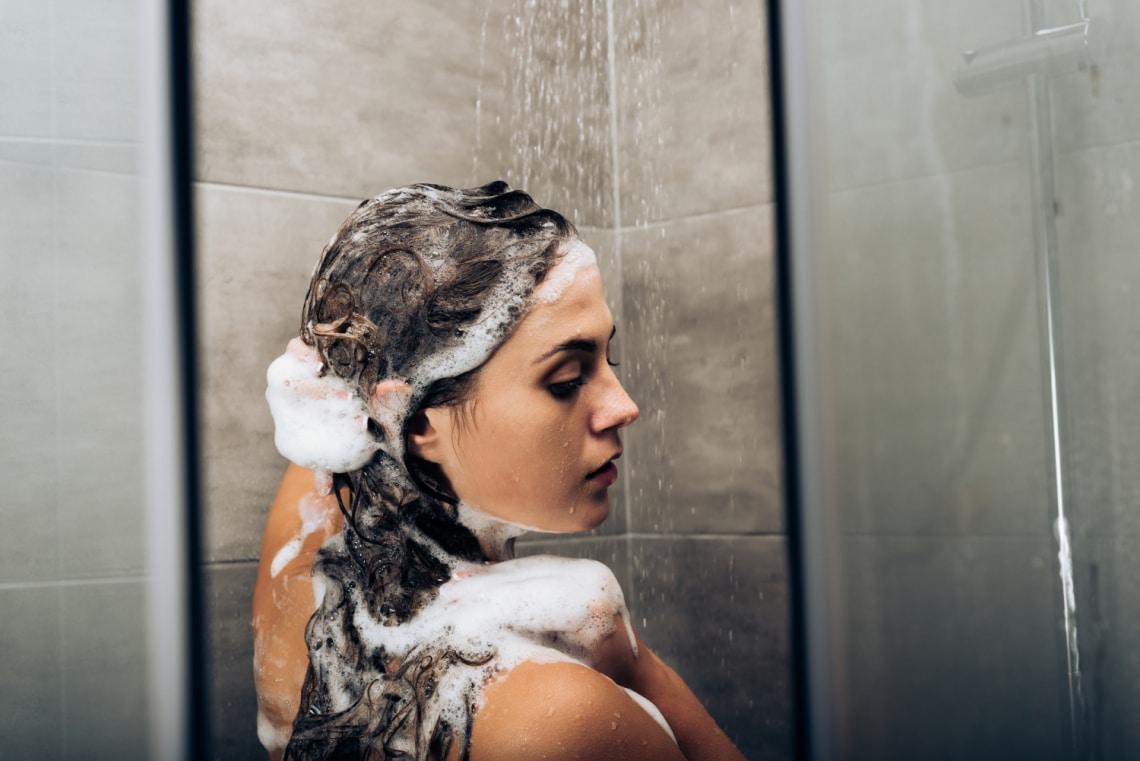 Még a hajmosást is lehet rosszul csinálni – Megmutatjuk, mire figyelj