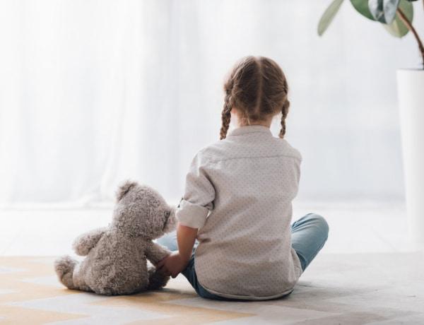 Módszerek, amikkel megnyugtathatod a szorongó gyereket: a pszichológus tanácsai