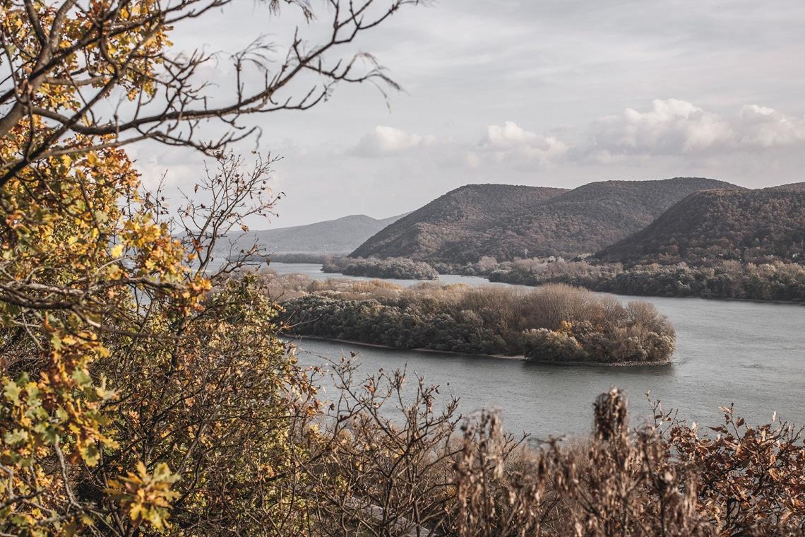 Hátborzongató ez a titkos föld alatti gyár a Dunakanyar közelében