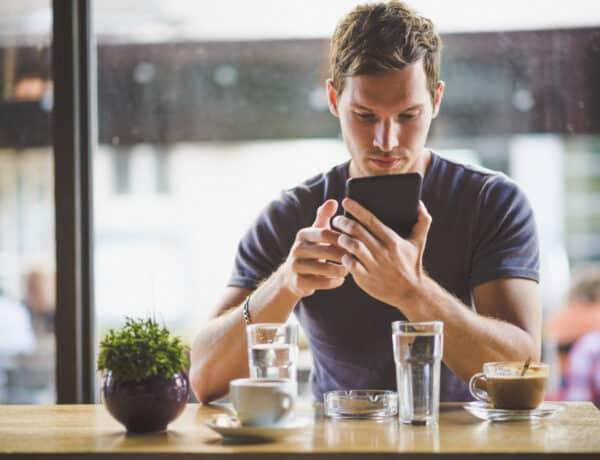Mennyire para, ha a pasid leellenőrzi a telefonodat?