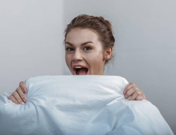 Mi okozza a reggeli rossz leheletet, és hogyan szabadulhatsz meg tőle?