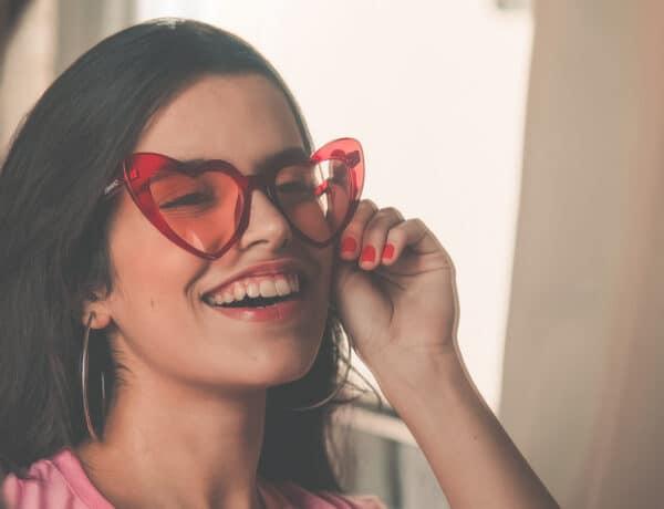Milyen napszemüveget, táskát vagy ékszert vegyél? Ezek a kiegészítők illenek hozzád a csillagjegyed szerint