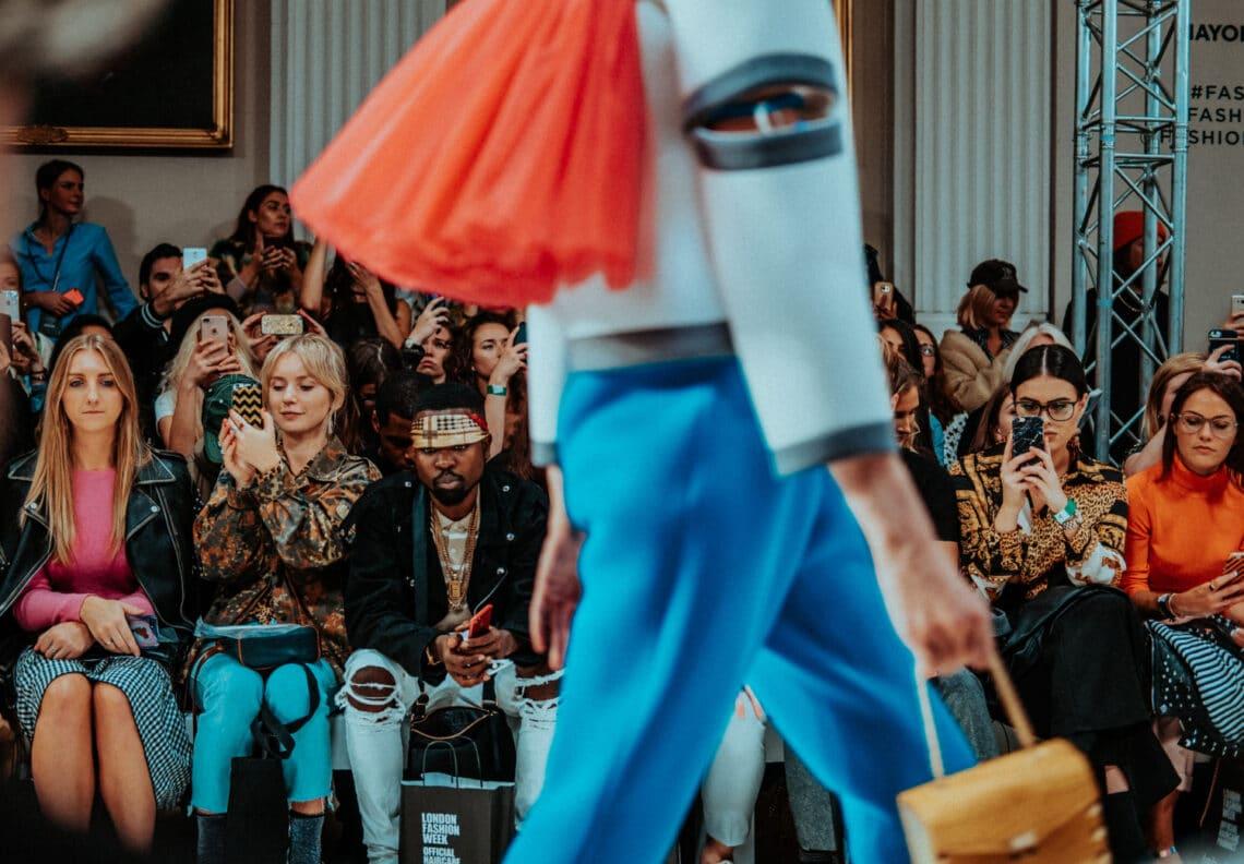 Milyen változások várhatóak a divatban? A Vogue főszerkesztője szerint már semmi sem lesz ugyanolyan