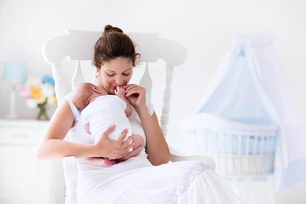 Mit szabad és mit nem? Íratlan szabályok kisbaba látogatásához