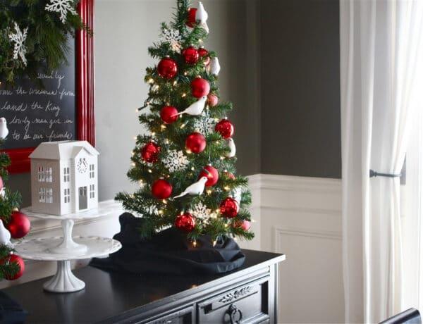 Nem a méret a lényeg! Ötletek kicsi karácsonyfa díszítéséhez