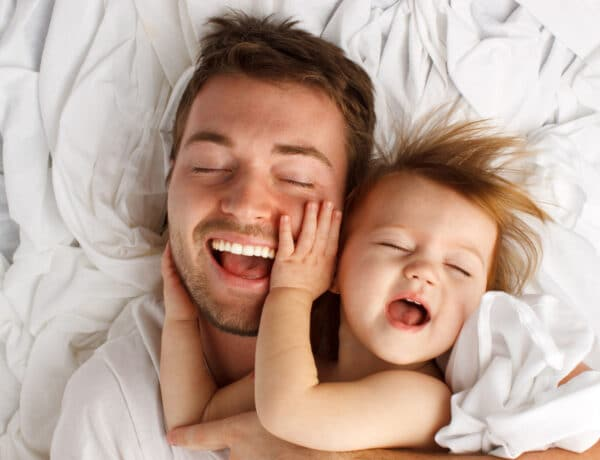 Nem csak a nők biológiai órája ketyeg: ezt állapították meg az idősebb apák gyerekeiről