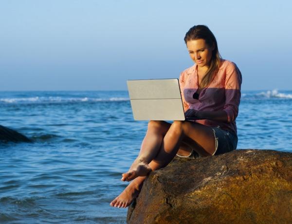 Nem görnyednek többet egy irodában! Te lennél digitális nomád?