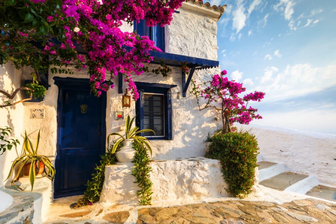 Nemcsak Santorini és Kréta létezik! 5 kevésbé ismert, mégis csodaszép görög sziget
