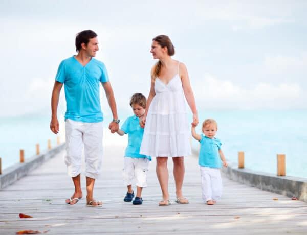 Nyaralni indul a család – Ezeket tartsd szülőként szem előtt, ha kisebb gyermekkel utazol