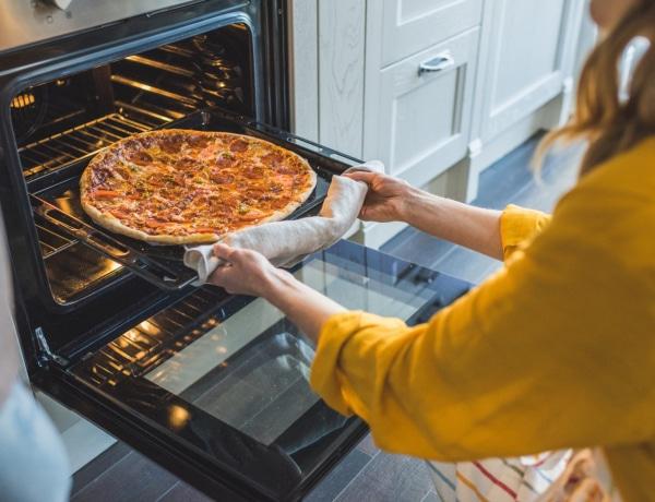 Odaég, nem sül ki, kiszárad – 7 hiba, amit elkövetsz a sütő használatakor