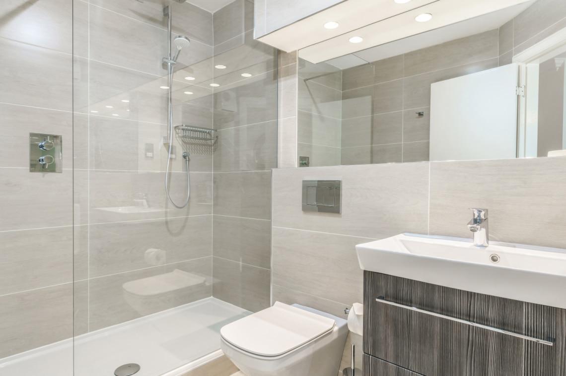 Pici a fürdőszobád? Trendi helytakarékos ötletek
