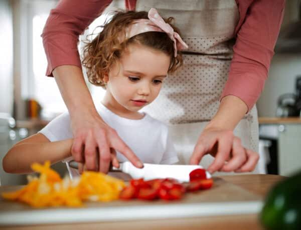 Rengeteg ételhulladékot termelünk – Ezt teheted ellene otthon
