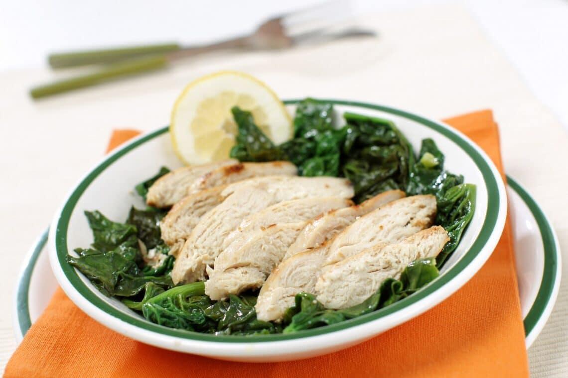 Spenótos serpenyős csirke