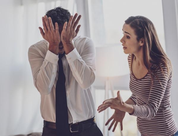 Szakítottatok, de kénytelenek vagytok együtt karanténozni? Így éljétek túl