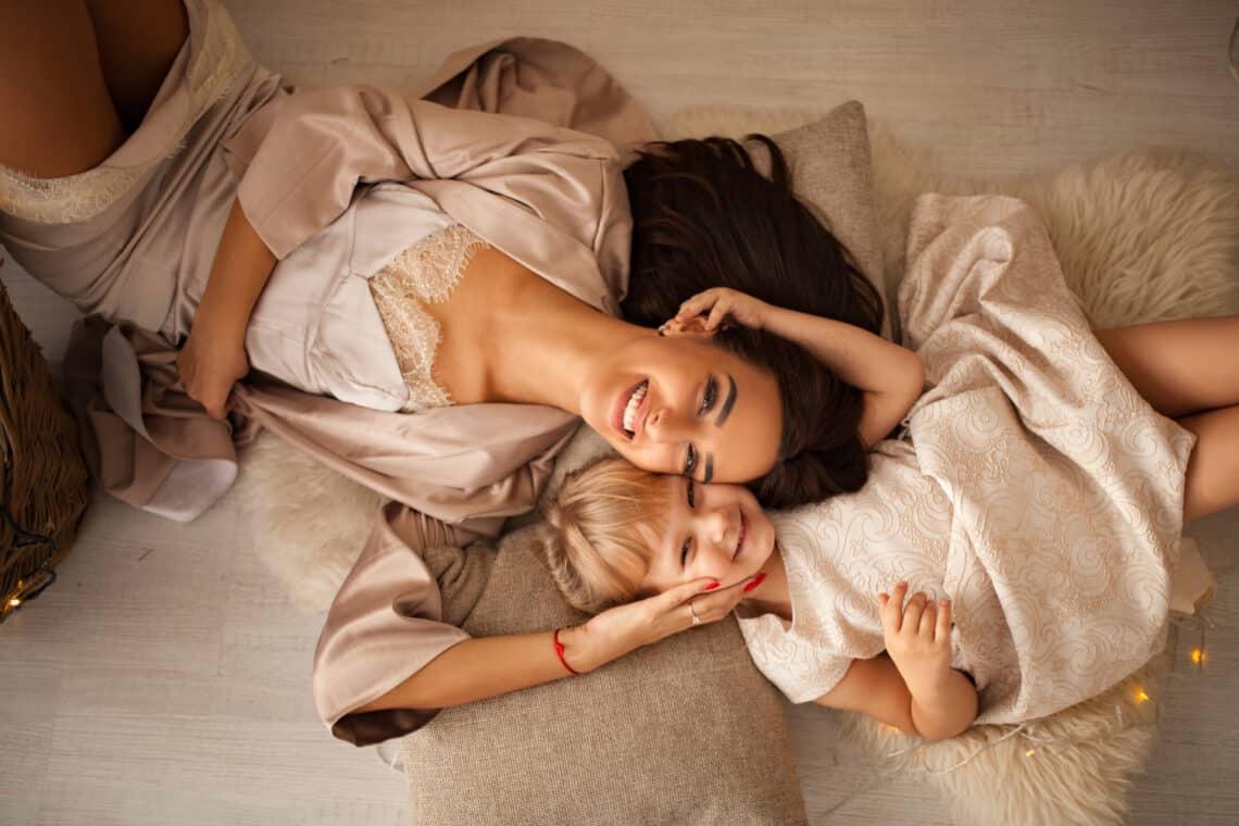 Szuper szépségápolási tippek, amiket én és barátnőm az anyukáinktól tanultunk