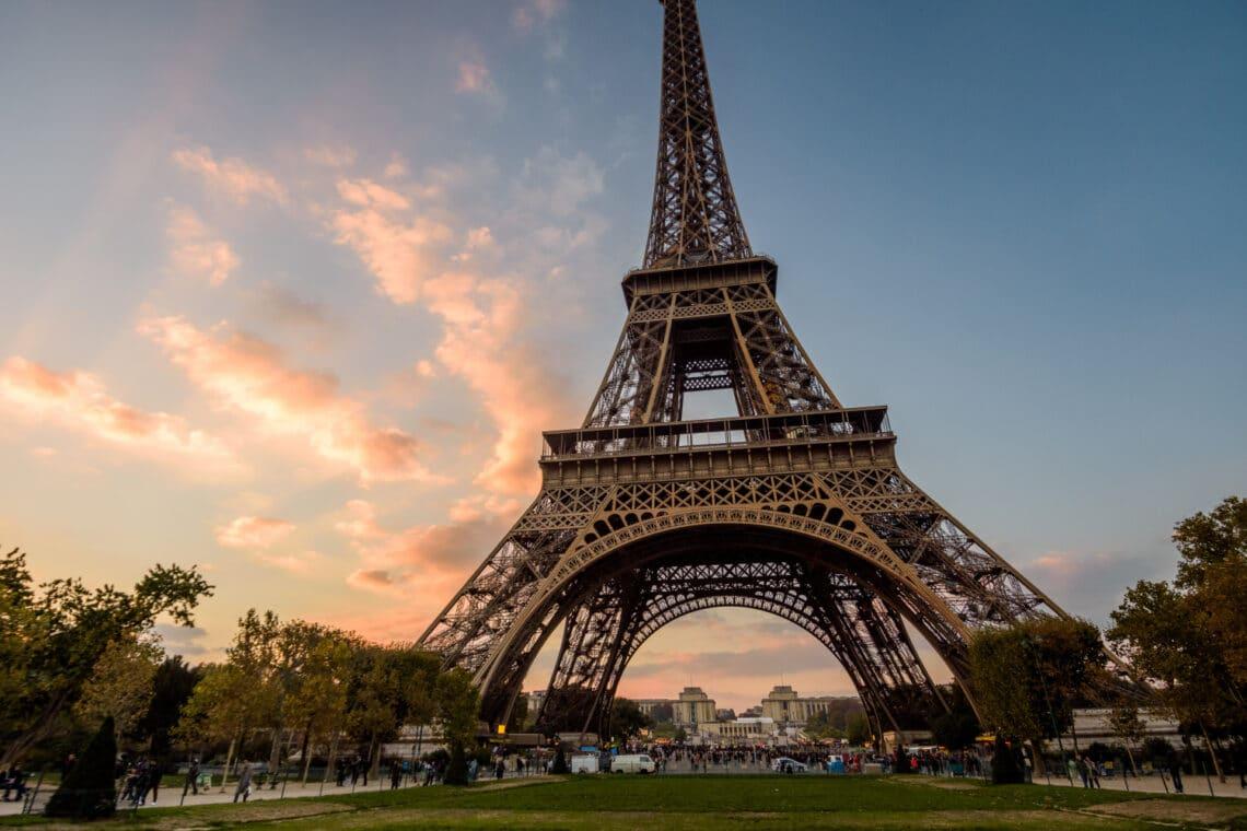 Titkos szoba az Eiffel-toronyban? Rejtett helyek a világ leghíresebb turistalátványosságaiban