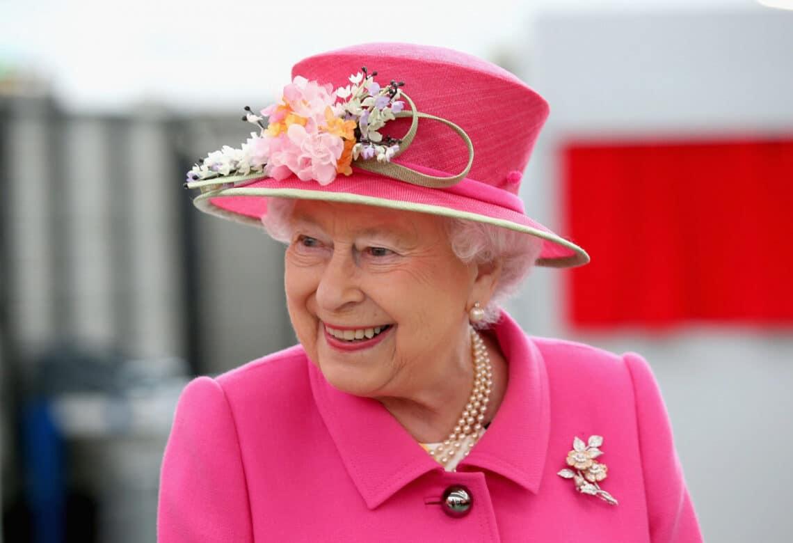 Tudna kereket cserélni! 5+1 dolog, amit nem tudtál a királynőről