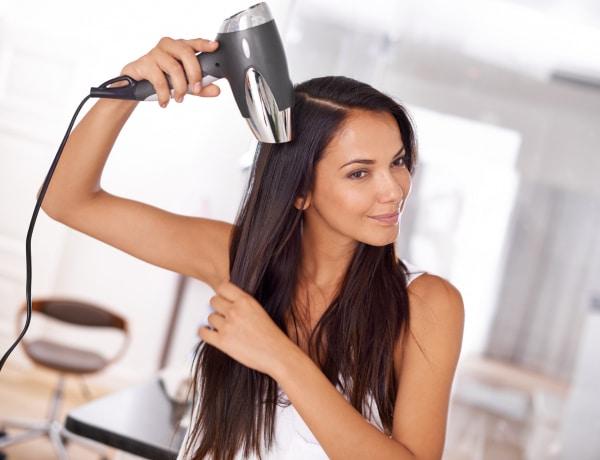 Így szárítsd be otthon a hajad: egy fodrász örökéletű trükkjei