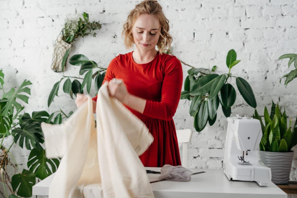 10 szenzációs ruha átalakító trükk – Mintha dizájner ruhák lennének!