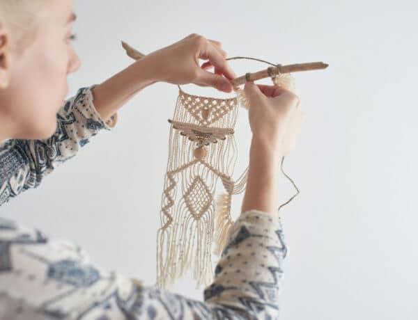 15+1 makramé dekoráció – A bohókás otthonok divatos kiegészítője