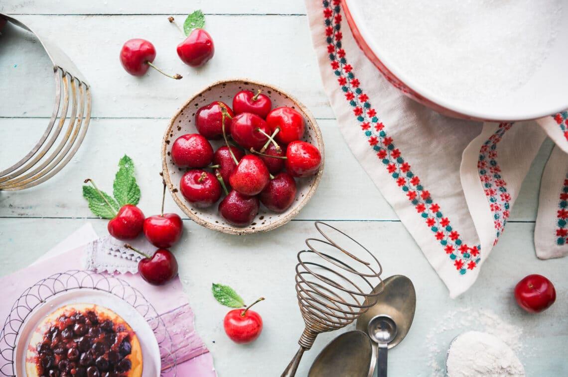 5 örök kedvenc meggyes sütemény, amit gyorsan összedobhatsz
