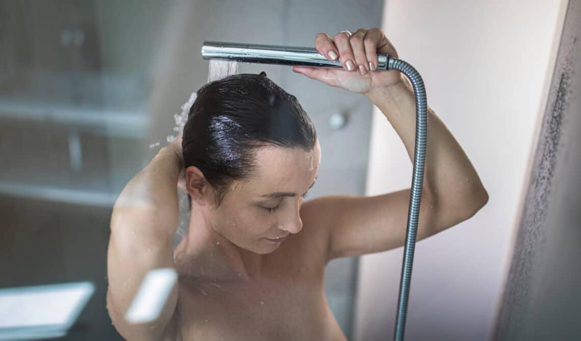 5 nyomós érv az esti zuhanyzás mellett