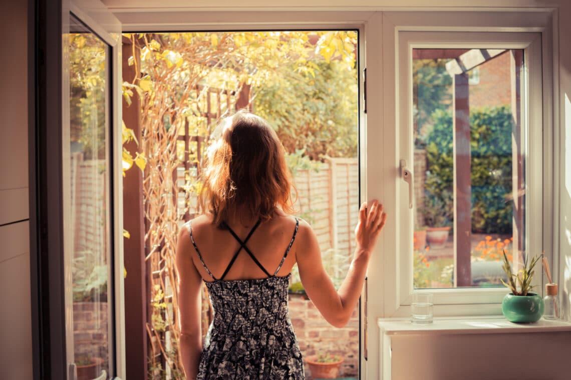 5 trükk, ahogyan szúnyogháló nélkül is távol tarthatod a szúnyogokat