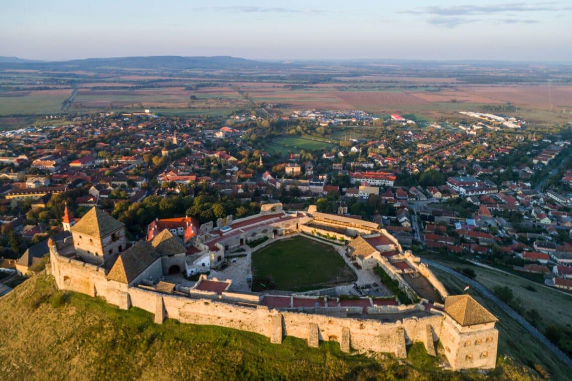 7 hazai vár, ha romantikus történelmi sétához lenne kedved