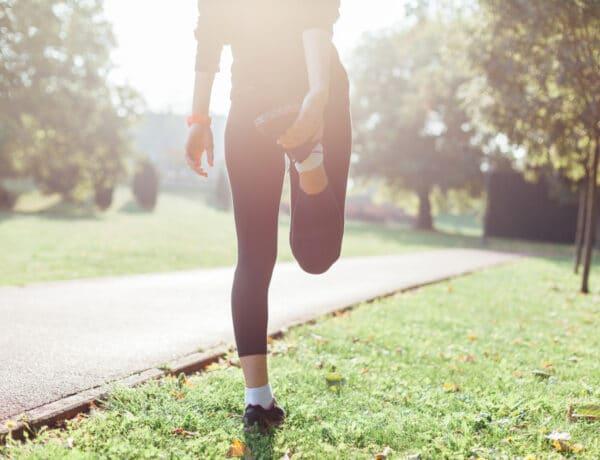 Ezek a legjobb bemelegítő gyakorlatok futás előtt egy világbajnok szerint
