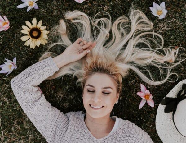Hasznos tippek egy fodrásztól, hogy gyorsabban nőjön a hajad