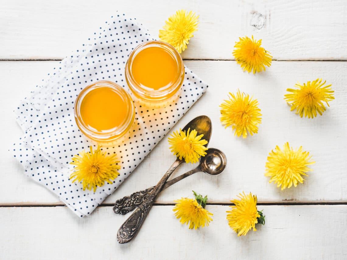 Már befőzheted a szezon kedvencét: ízletes szörp és vegán méz is készülhet a pitypangból