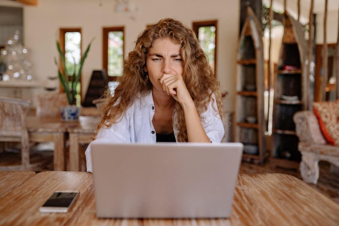 Ezt az 5 embertípust kövesd ki Facebookon a mentális egészséged érdekében