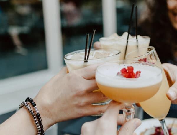 Kókusztejes rum-puncs és bourbon kávé-milkshake?  5 izgalmas nyári koktél otthoni hozzávalókból
