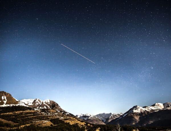 Szabad szemmel megfigyelhető üstökös érkezett a Föld közelébe