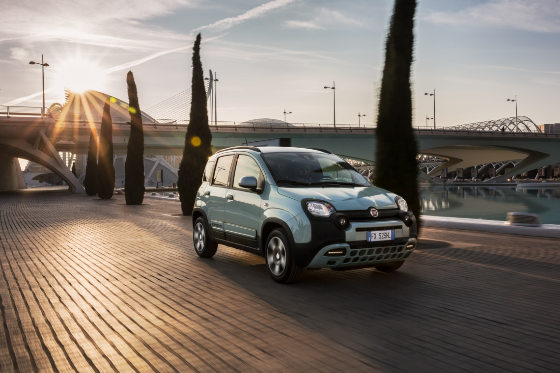 Imádnivaló és a városi autók sztárja: az új Fiat Panda hybrid
