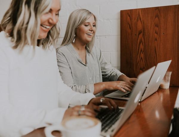 5 dolog, amit soha ne viselj a munkahelyeden – alapvető szabályok