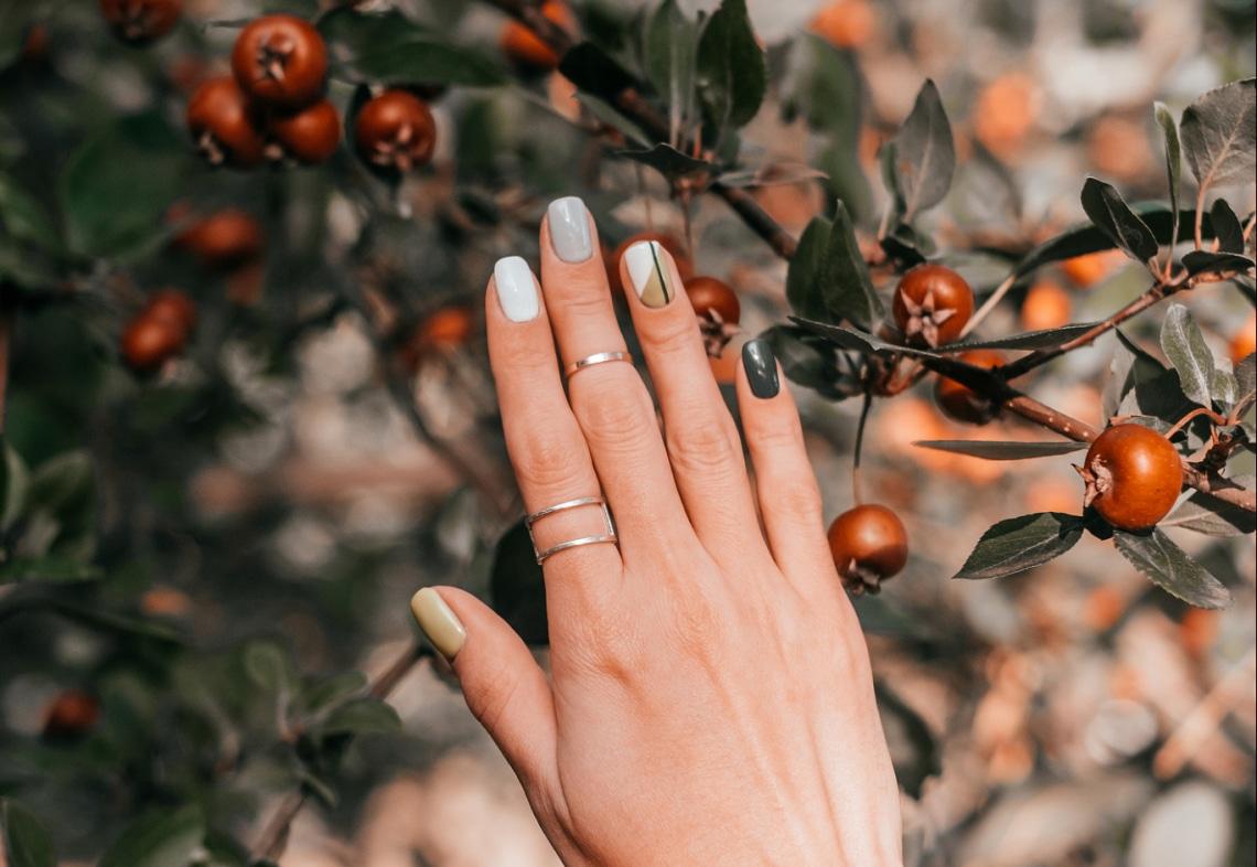 10 egyedi őszi manikűr az új szezonra – Galéria