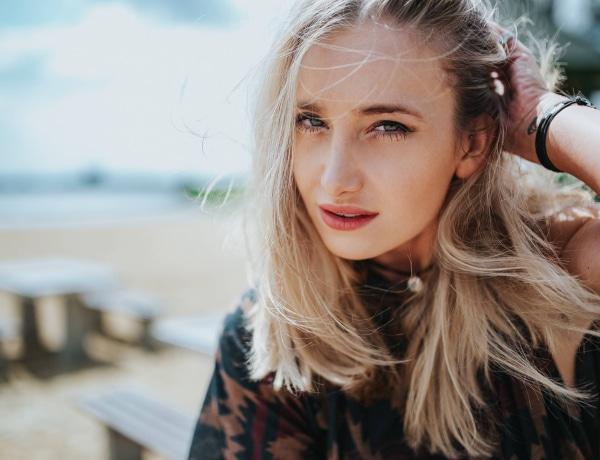 10 sikkes félhosszú frizura, a legfrissebb trendek szerint